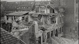 Das Gronauer Rathaus nach dem Bombenangriff am 22. März 1945